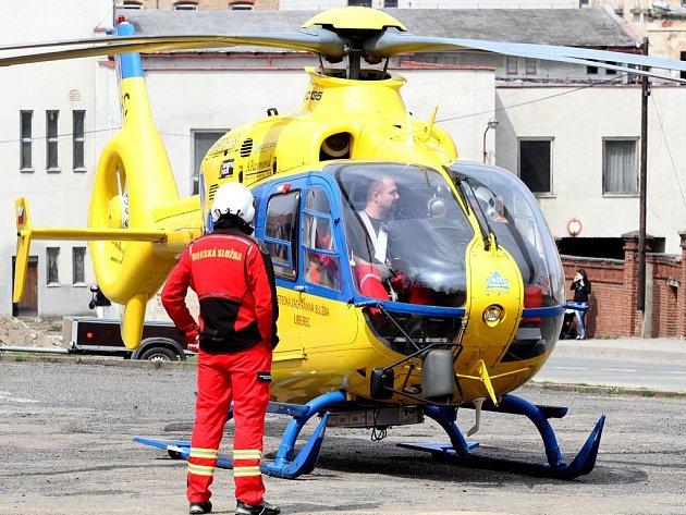 Ilustrační. Vrtulník Letecké záchranné služby z Liberce.