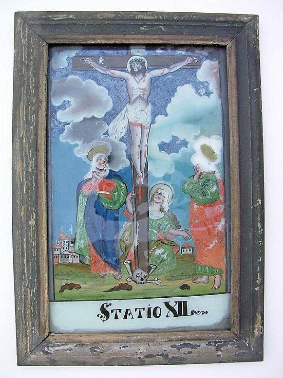 Zajímavým kouskem, který kostel skrýval, je již zmíněná křížová cesta.