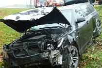 Odcizené BMW se našlo havarované na nedostavěné silnici.