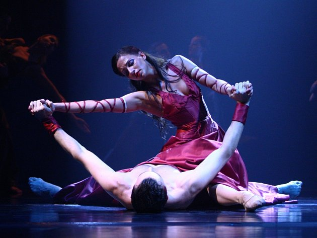 Generální zkouška v Divadle F. X. Šaldy libereckého baletu před začátkem taneční události sezony.