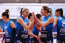 Helena Havelková (vpravo) slaví ruský titul.