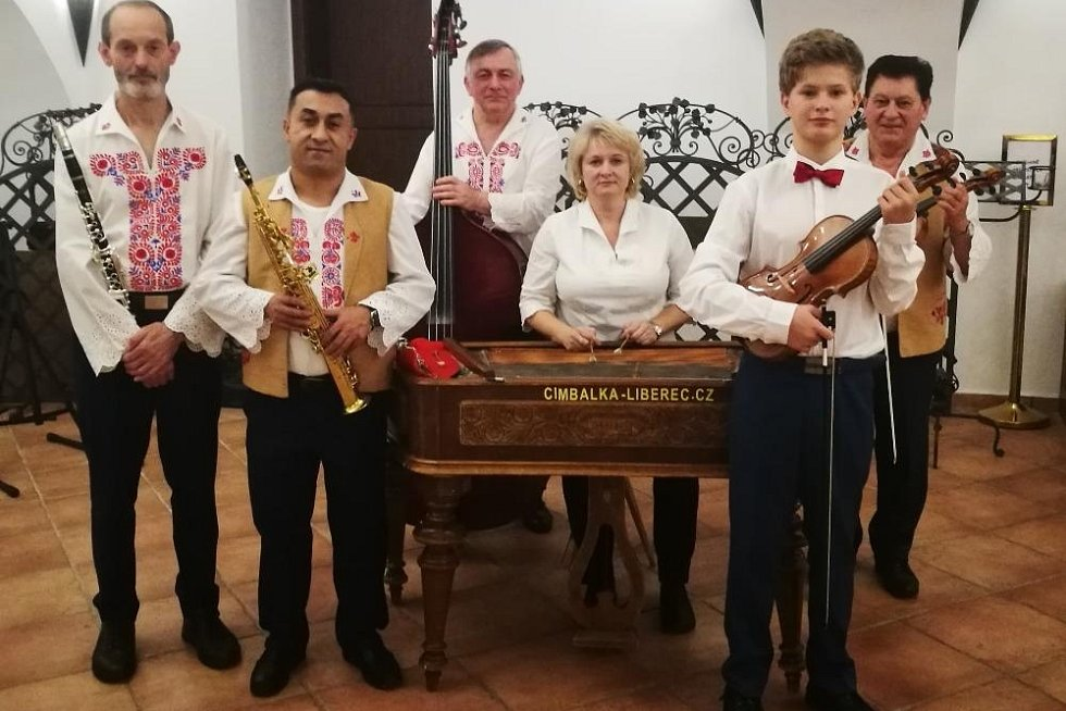 Cimbálová muzika Dušana Kotlára.
