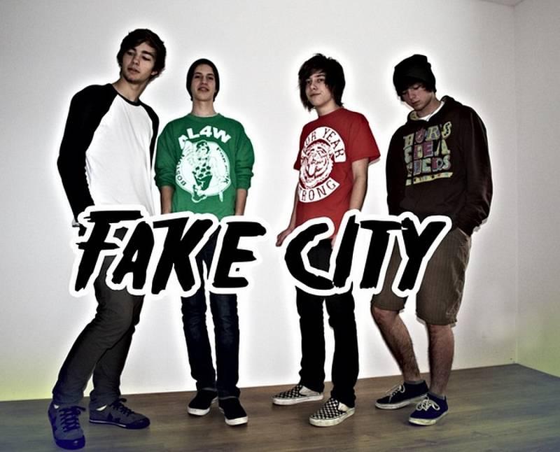FAKE CITY.
