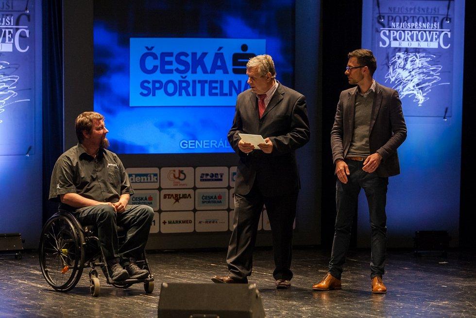 Vyhlášení ankety Nejúspěšnější sportovec Libereckého kraje za rok 2016 proběhlo 4. dubna v libereckém Divadle F. X. Šaldy. Na snímku vlevo Jiří Suchánek.