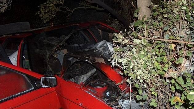 Nehoda v Lukášovské ulici v Novém Harcově.