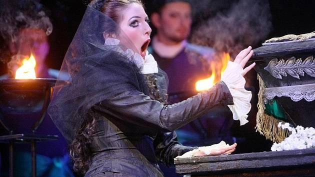 Divadlo F.X.Šaldy v Liberci nastudovalo Pucciniho klasickou operu Edgar, jejíž dějem je dramatická zápletka milostného trojúhelníku.