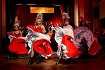 V pátek 19. března proběhl ve stylu retro Moulin Rouge ples Kalendáře Liberecka. Na plesu se křtilo nové číslo čtvrtletníku Véčko, čtyři taneční vystoupení předvedl během večera Astyl.