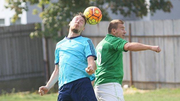 Ve fotbalové I. A třídě porazily Ruprechtice (v modrém) sousední Rapid.