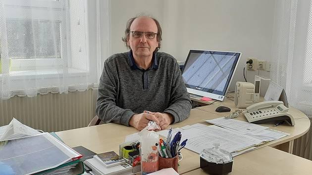 Pavel Lžičař vede město od roku 1998.