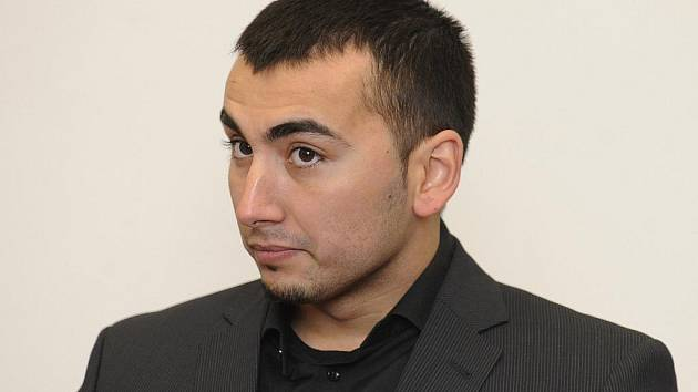 ZA PAŠOVÁNÍ LÉKŮ ŠEST LET VĚZENÍ. S takovým trestem odešel od libereckého Krajského soudu Tomáš Husák. Hrozilo mu ale dvanáct let, soud přihlédl k polehčujícím okolnostem.