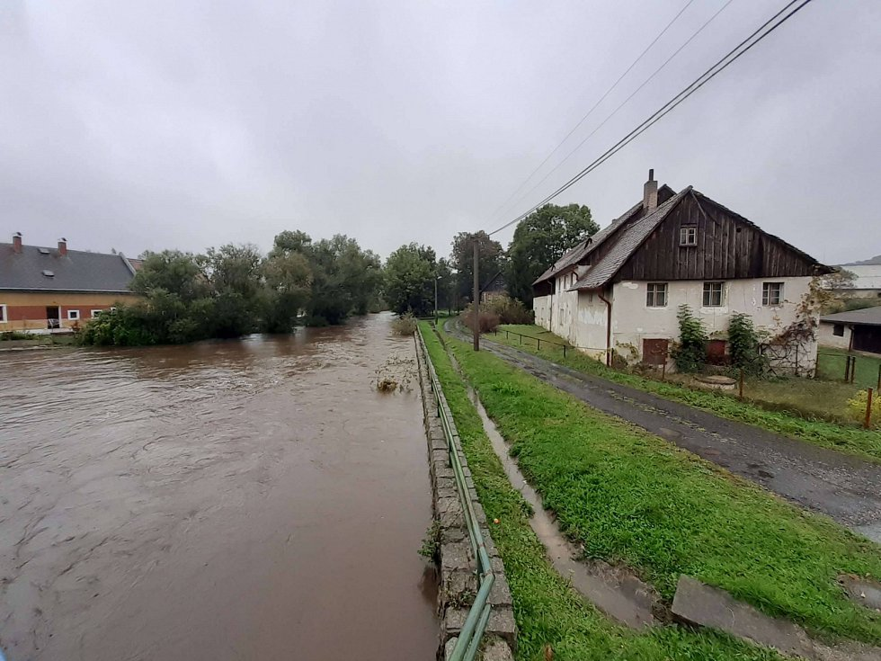 Řeka Smědá ve Višňové a Předláncích na Liberecku.