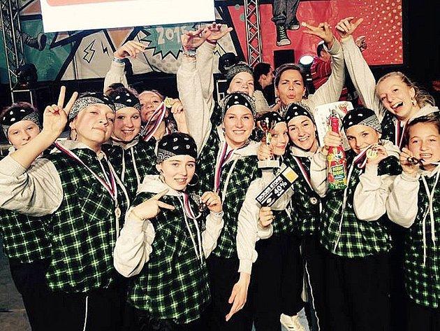 A-STYL LIBEREC. Junioři vyhráli street formace na mistrovství Čech v Průhonicích.