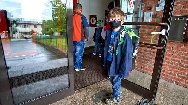 Žáky přivítala Základní škola a Mateřská škola logopedická v Liberci.