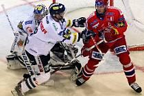 Liberecký brankář Leinonen udržel čisté konto a Bílí Tygři tak vyhráli 3:0.