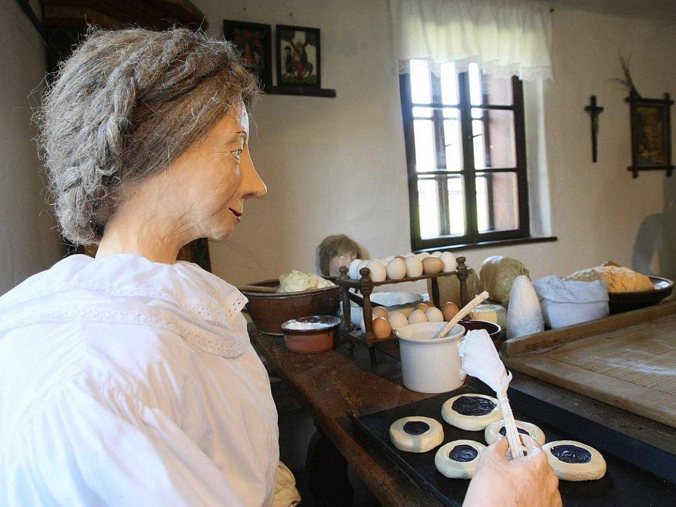 EXPOZICI, v níž nechybí ani velikonoční stůl, můžete navštívit na Dlaskově statku u Turnova denně, kromě pondělí, od 9:00 do 16:00, od května do 17.00 hodin.