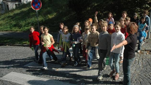 Jeden z libereckých přechodů, kde je vysoká frekvence školáků, je například Na Perštýně.