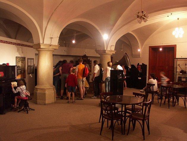 DNY KULTURNÍHO DĚDICTVÍ. Severočeské muzeum zpřístupní druhou největší sbírku hracích automatů v České republice.