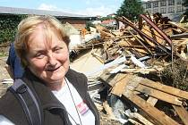 Zdeně a Emilovi Vomelovým ve Frýdlantu ukrojila povodňová vlna třetinu domu. Posudek statika zněl: demolice.