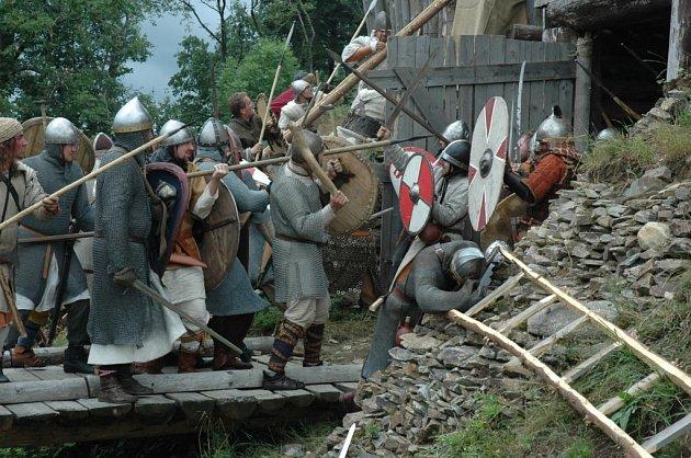 Rekonstrukce bitvy na dvorci Curia Vítkov v Horním Vítkově u Chrastavy.
