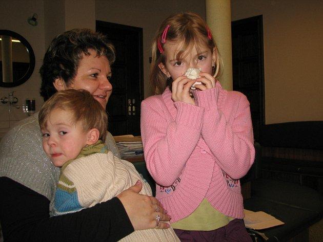 ČERNÝ KAŠEL. Nemoc, která se snadno zamění s běžnou virózou, je nejnebezpečnější pro malé děti.