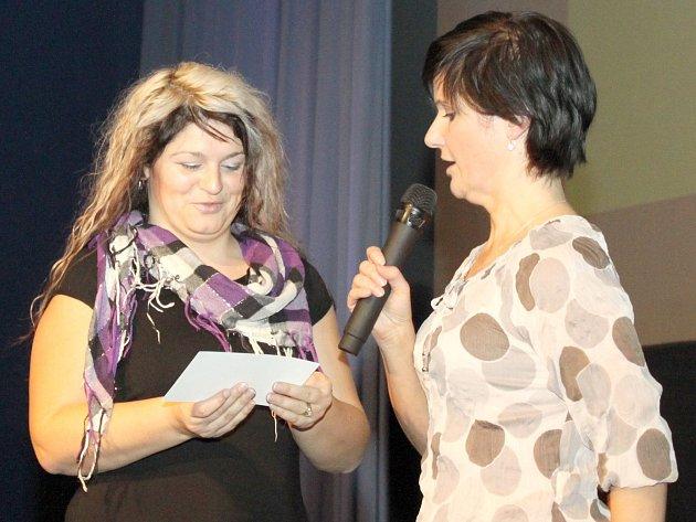 BŘEZNOVÁ DÁMSKÁ JÍZDA nabídla exhibici na trampolínách i předpremiéru Miláčka.