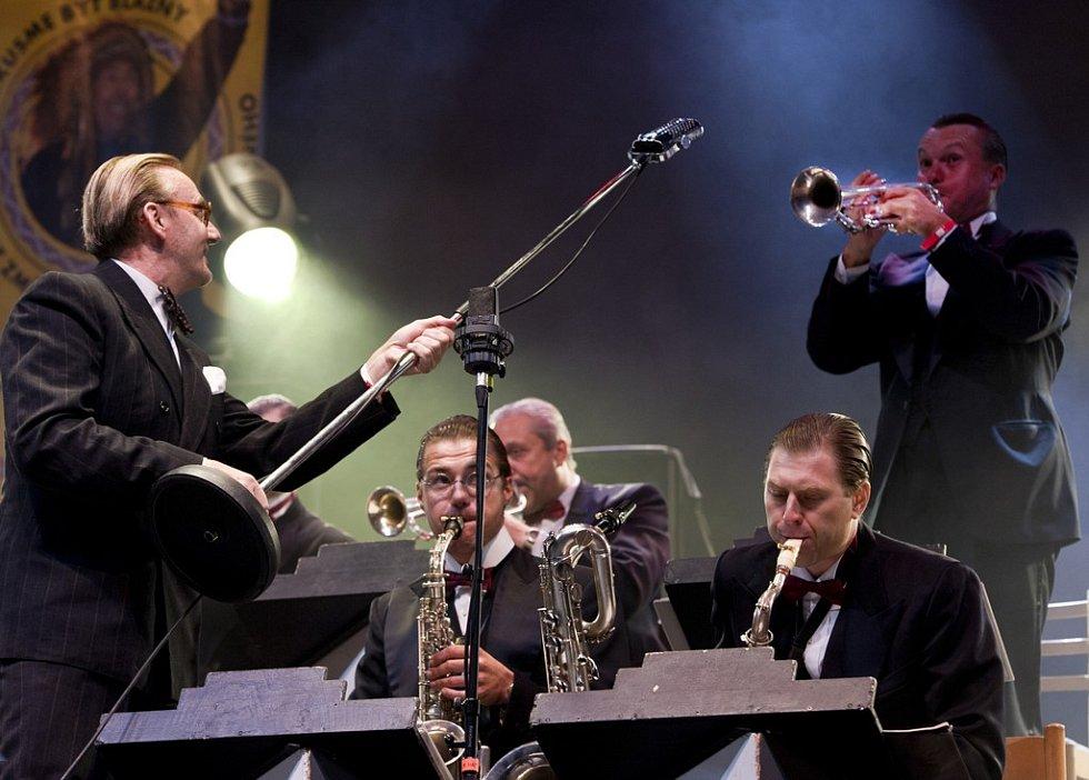 TRUTNOV OPEN AIR FESTIVAL 2012. Ondřej Havelka a Melody Makers.
