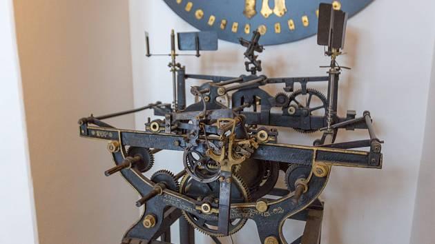Restaurovaný a funkční hodinový stroj bude k vidění v zrekonstruovaném Severočeském muzeu. Muzeum se otevře příští rok na podzim.
