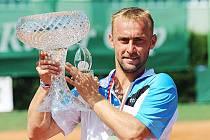 VÍTĚZ TENISOVÉHO RIETER CUPU 2014. Roman Jebavý z LTK Liberec vyhrál v Ústí nad Orlicí titul.