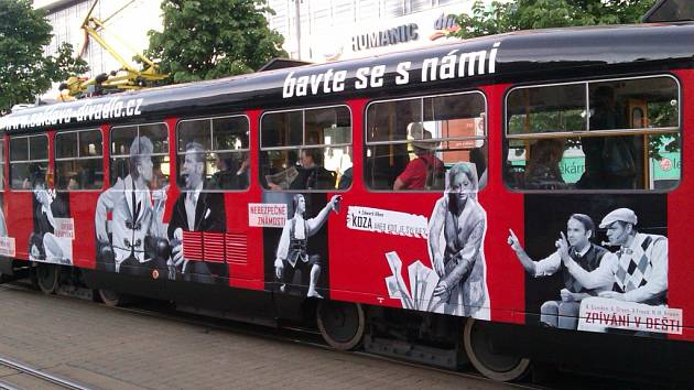 Divadelní tramvaj v Liberci.