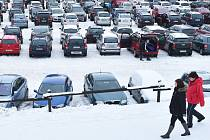 PARKOVÁNÍ V BEDŘICHOVĚ bude pro některé běžkaře problém, nová parkovací místa totiž nevzniknou.