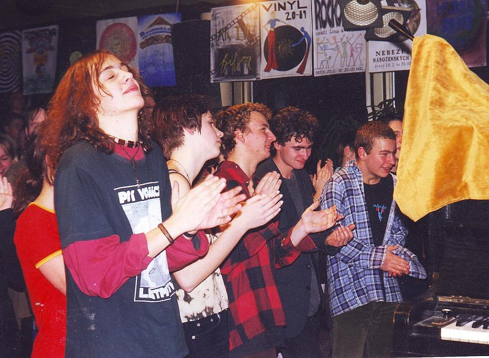 HOREČKA SOBOTNÍ NOCI už patnáct let vychovává jablonecké rockery.