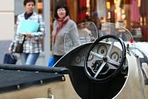 V úterý 28. května byla zahájena výstava historických vozů v prostorách OC Forum v Liberci.