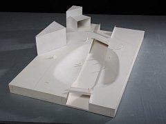 Adam Šustek, autor návrhu zastřešené lávky k budově, zaujal nejvíce. Pozornost vzbudil i návrh Šimona Marka s kráterem.