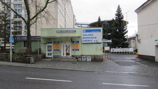 Areál Krajské nemocnice Liberec v Husově ulici.