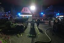 V Raspenavě hořel dům. Hasiči zachránili tři osoby