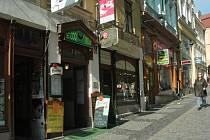 LE COQ NOIR. Pražská ulice.