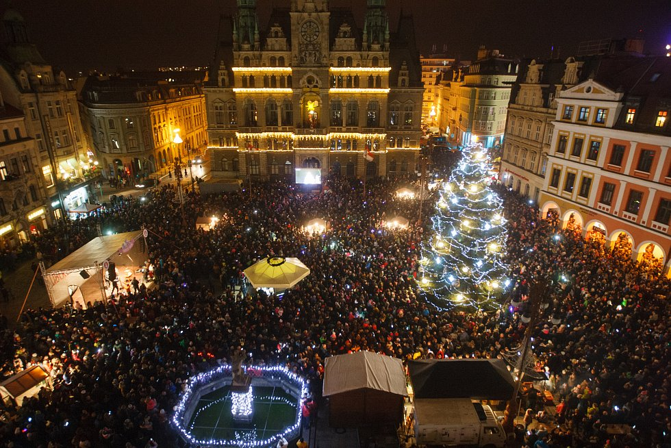 Rozsvícení vánočního stromu na náměstí Dr. Edvarda Beneše v Liberci