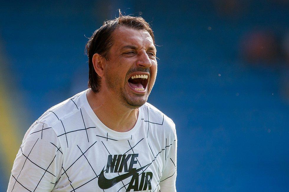 Zápas 1. kola první fotbalové ligy mezi týmy FC Slovan Liberec a MFK Karviná se odehrál 21. července na stadionu U Nisy v Liberci. Na snímku je trenér Zsolt Hornyák.