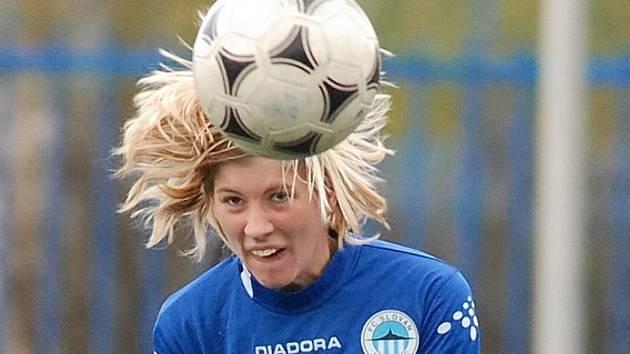 BUM. Fotbalistka Slovanu Nikola Kotková nahrávala Ubiasové na třetí gól.