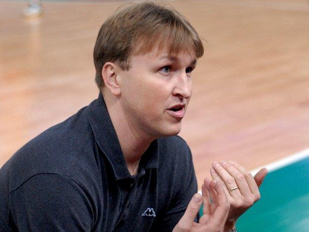 ZŮSTÁVÁ. Jan Slowiak pokračuje v roli trenéra libereckých basketbalistů. Klubu se nedaří, ale má důvěru vedení.