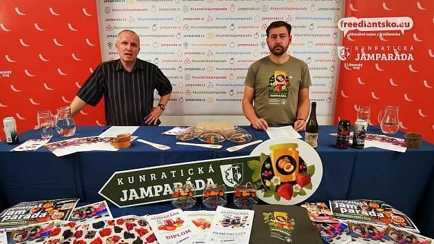 Na snímku starosta Kunratic Milan Götz a duchovní otec soutěže Jamparáda Jiří Poděbradský.