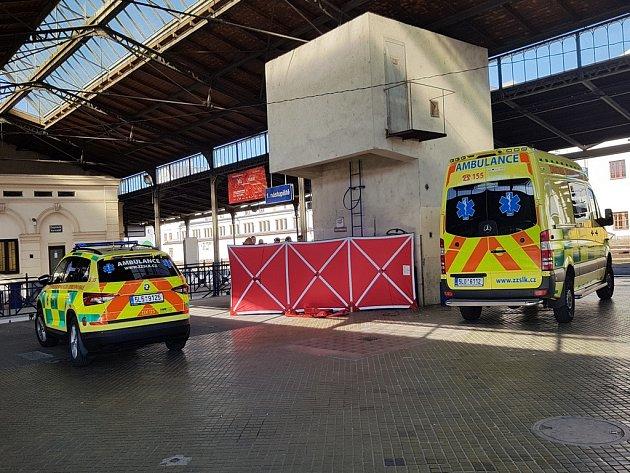 Na libereckém nádraží v Liberci zemřel v pátek odpoledne muž.