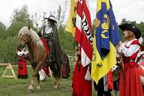 Součástí Valdštejnských slavností tradičně bude i bitva, jíž se účastní stovky bojovníků.