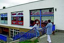 Bývalý Albert a nynější Tesco v libereckých Ruprechticích. Plánovaná nákupní galerie zde nevznikne.