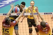 Liberečtí volejbalisté si přivezli z Brna jednu výhru a ve středu mohou slavit postup do semifinále.