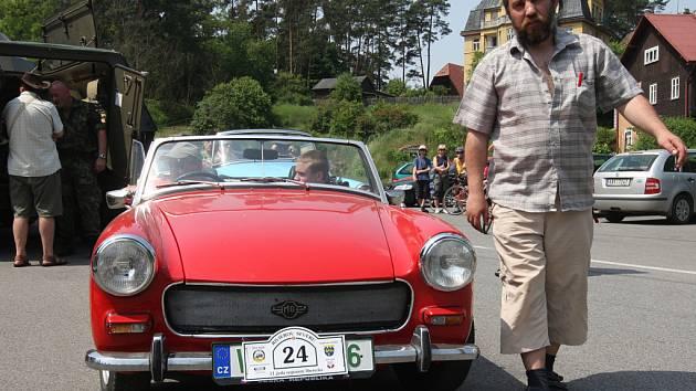 Liberecký Veteran car club Nisa uspořádal již jedenáctou jízdu historických vozidel.