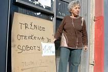 O smutném konci liberecké městské tržnice informovala na konci října 2008 veřejnost tabule.