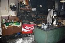 Turnovskou nádražní restauraci zachvátil požár.