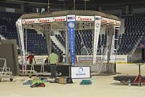 STARÁ KOSTKA DOSLOUŽILA. Návštěvníci Tipsport areny a hokeje se mohou těšit na zcela novou.