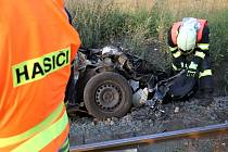 U Dolní Řasnice na Frýdlantsku se v pátek před osmnáctou hodinou srazil osobní vlak s automobilem. Nehoda se obešla bez zranění.